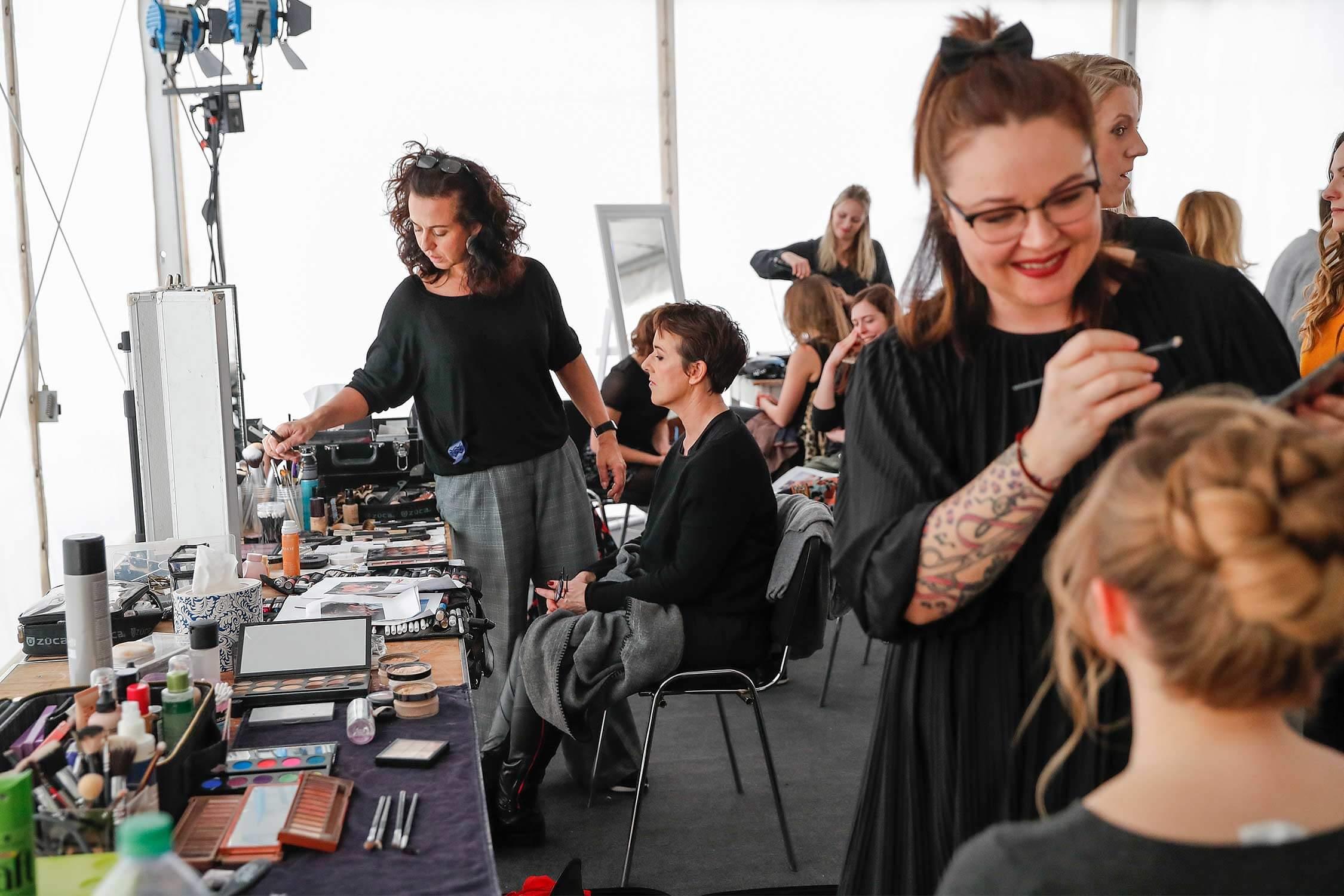Styling der Models für die heine Fashion-Show