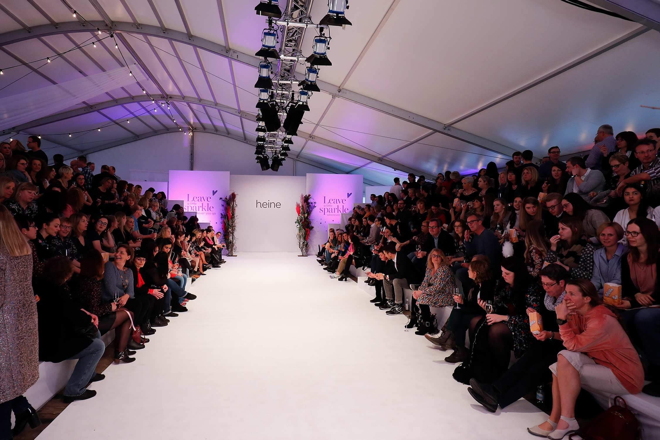 Der Catwalk der heine Fashion-Show