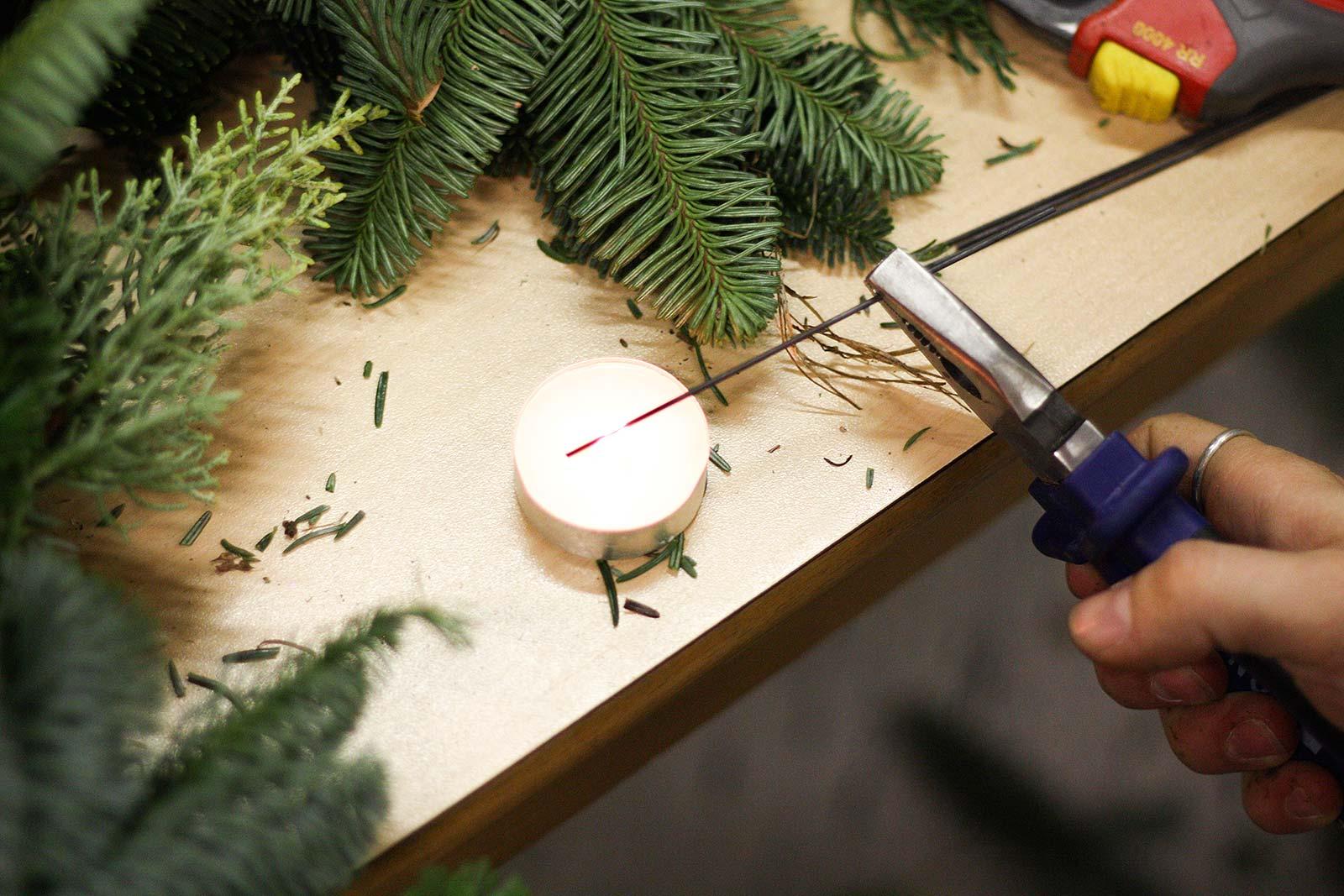 DIY-Adventskranz - Draht erhitzen