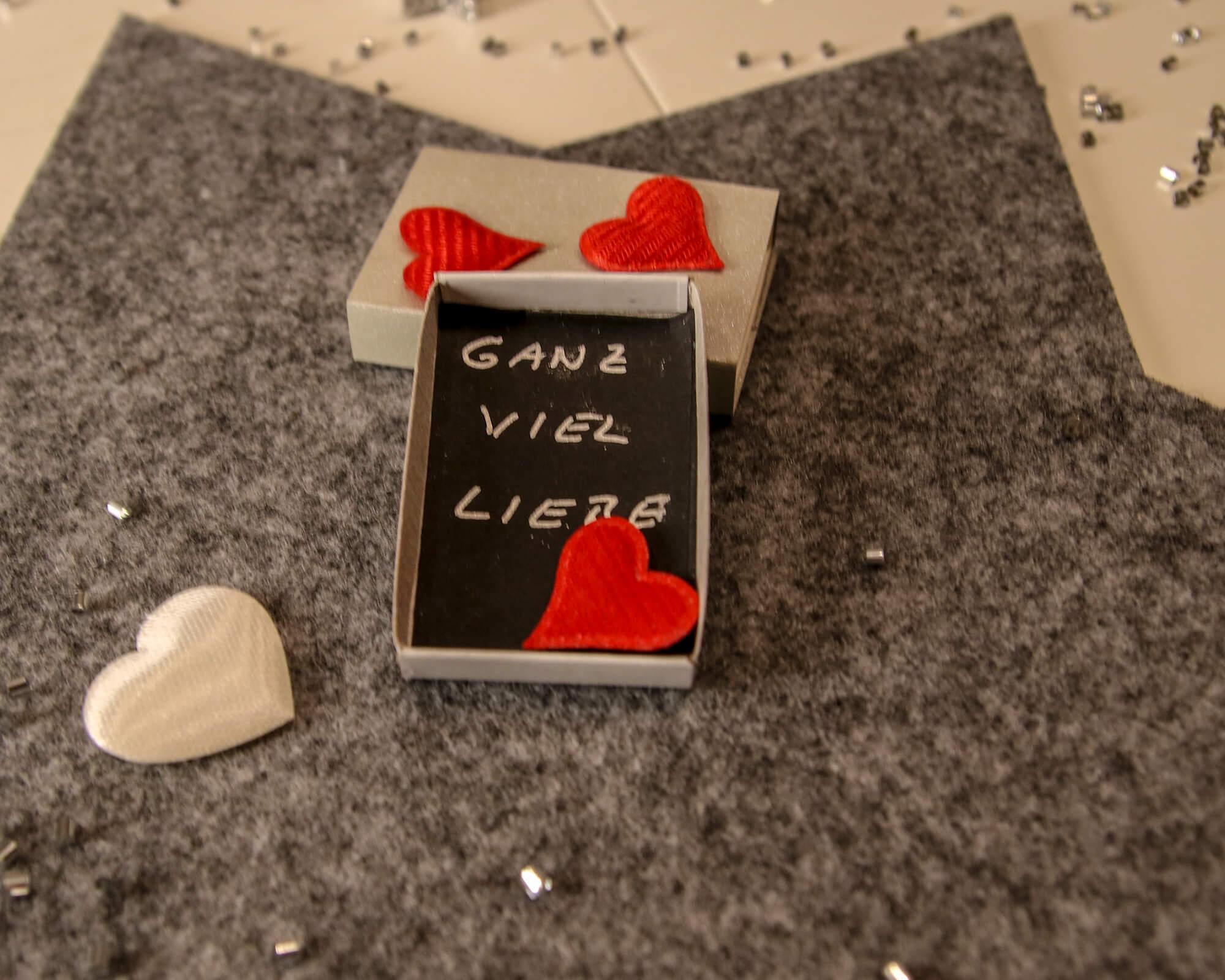Streichholzschachtel Liebe