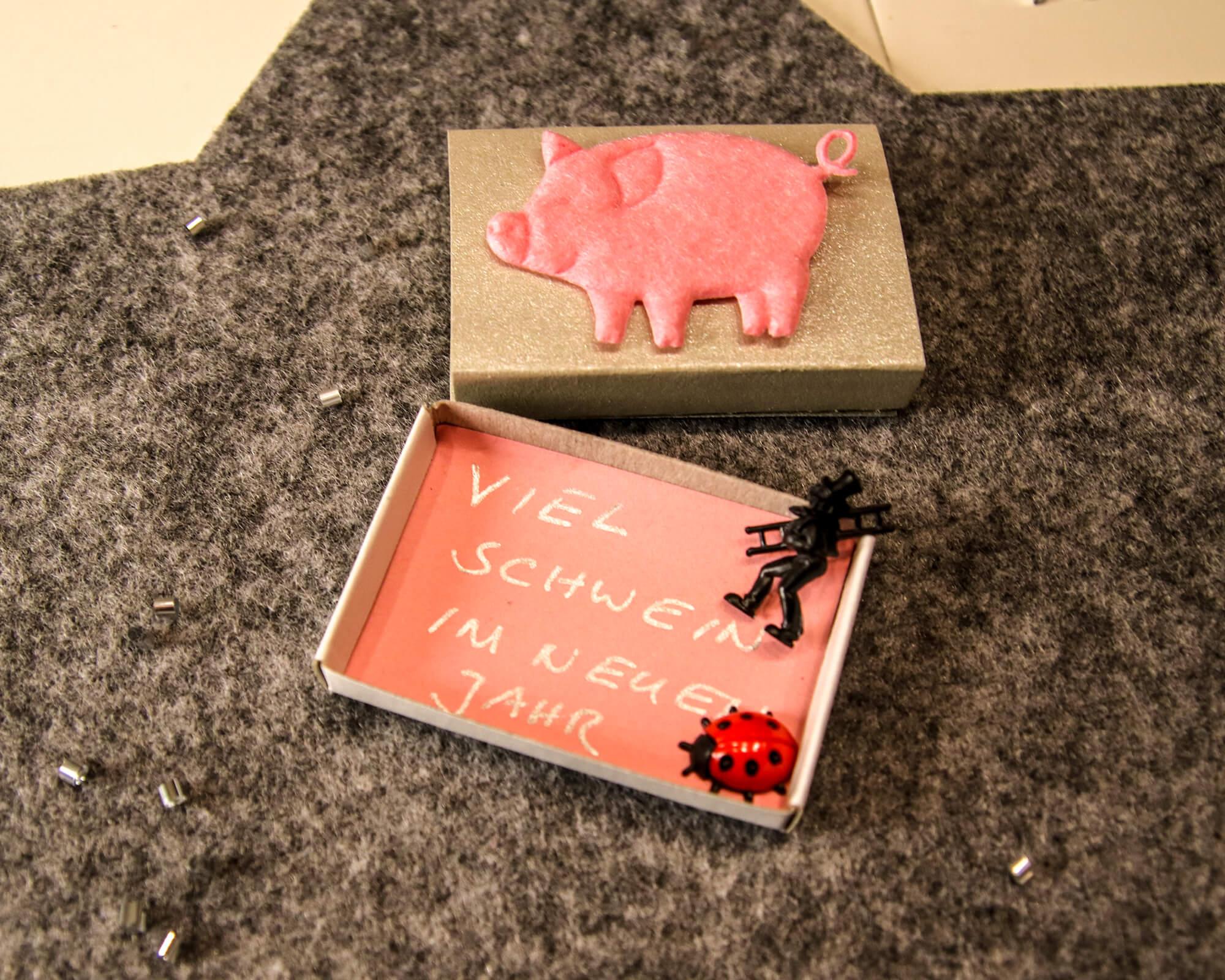 Streichholzschachtel Schwein