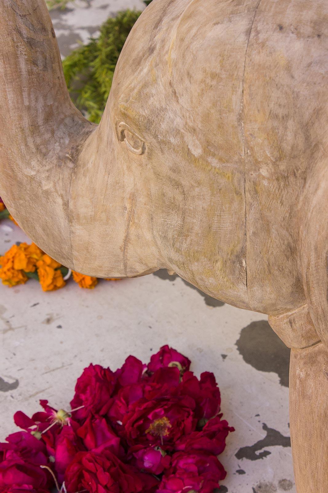 Beistelltisch Elefant Detail