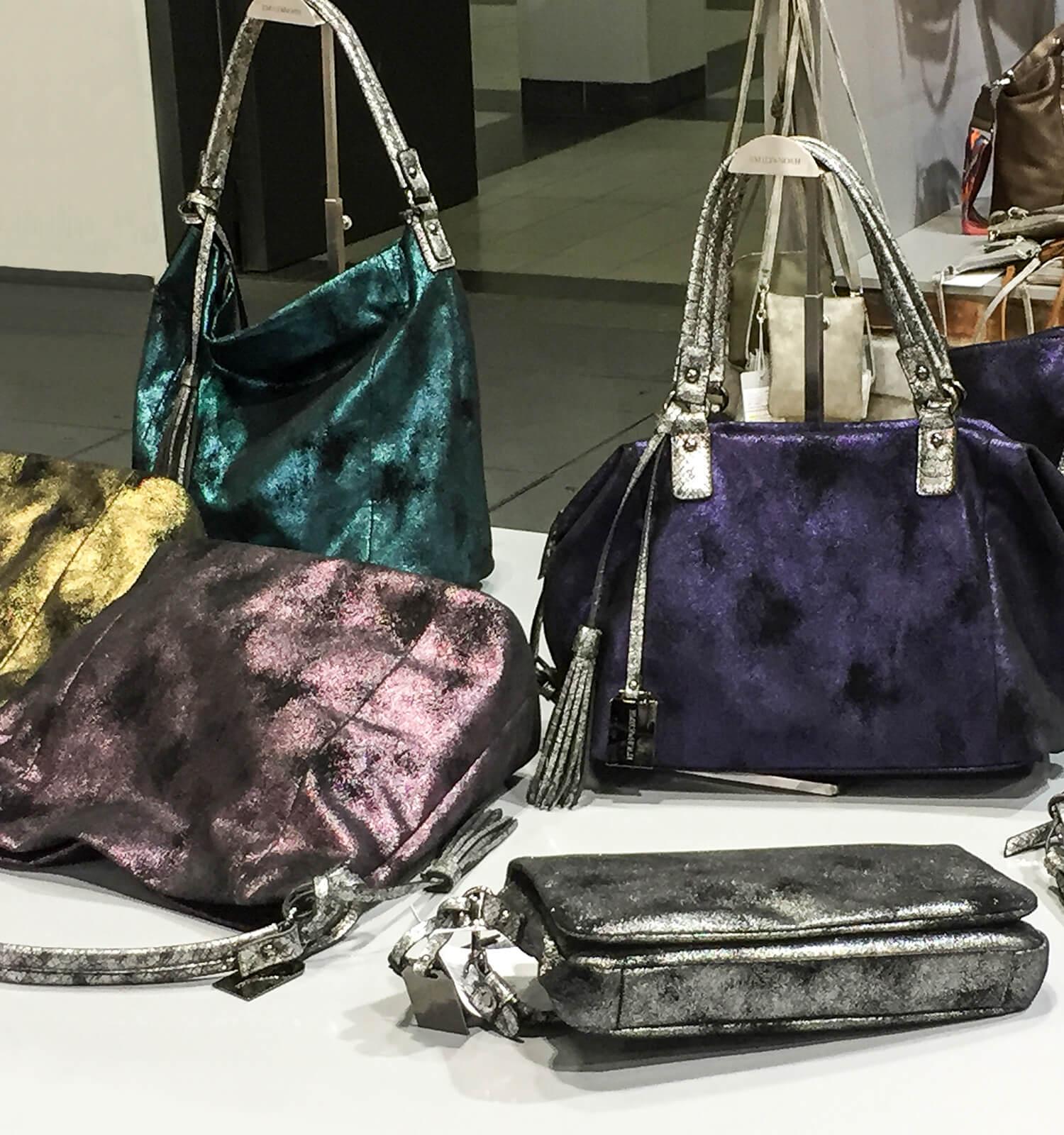 Bunt glänzende Taschen-Trends