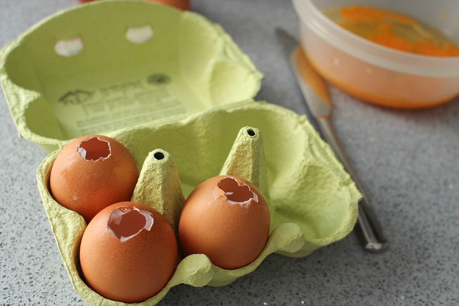 Formen für die Beton-Eier