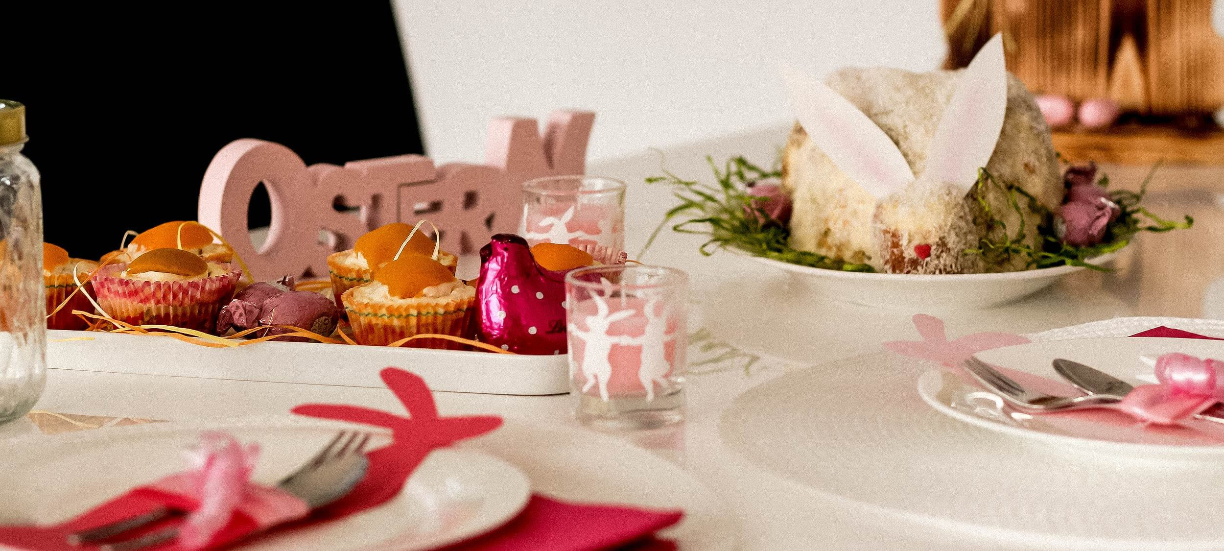 Ostern – Spiegelei-Muffins, Karottenkuchen und Teller-Deko für den festlichen Ostertisch