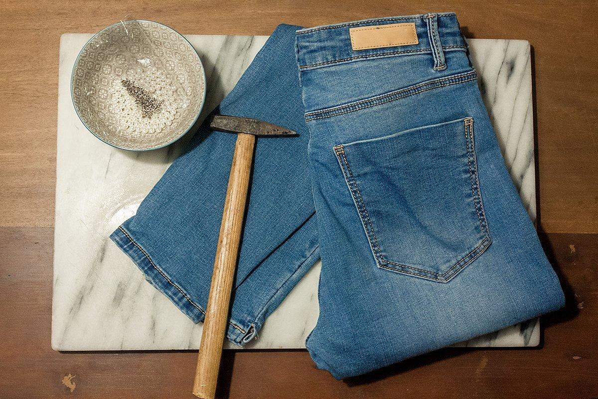 DIY Jeans: Schmucksteine