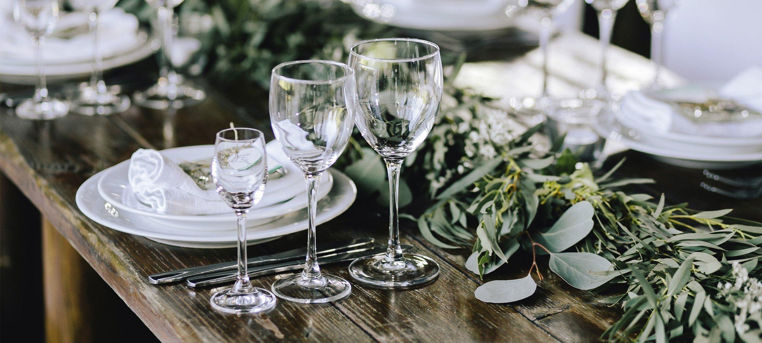 Schick aufgetischt: elegante Styles für euch und eure Festtafel