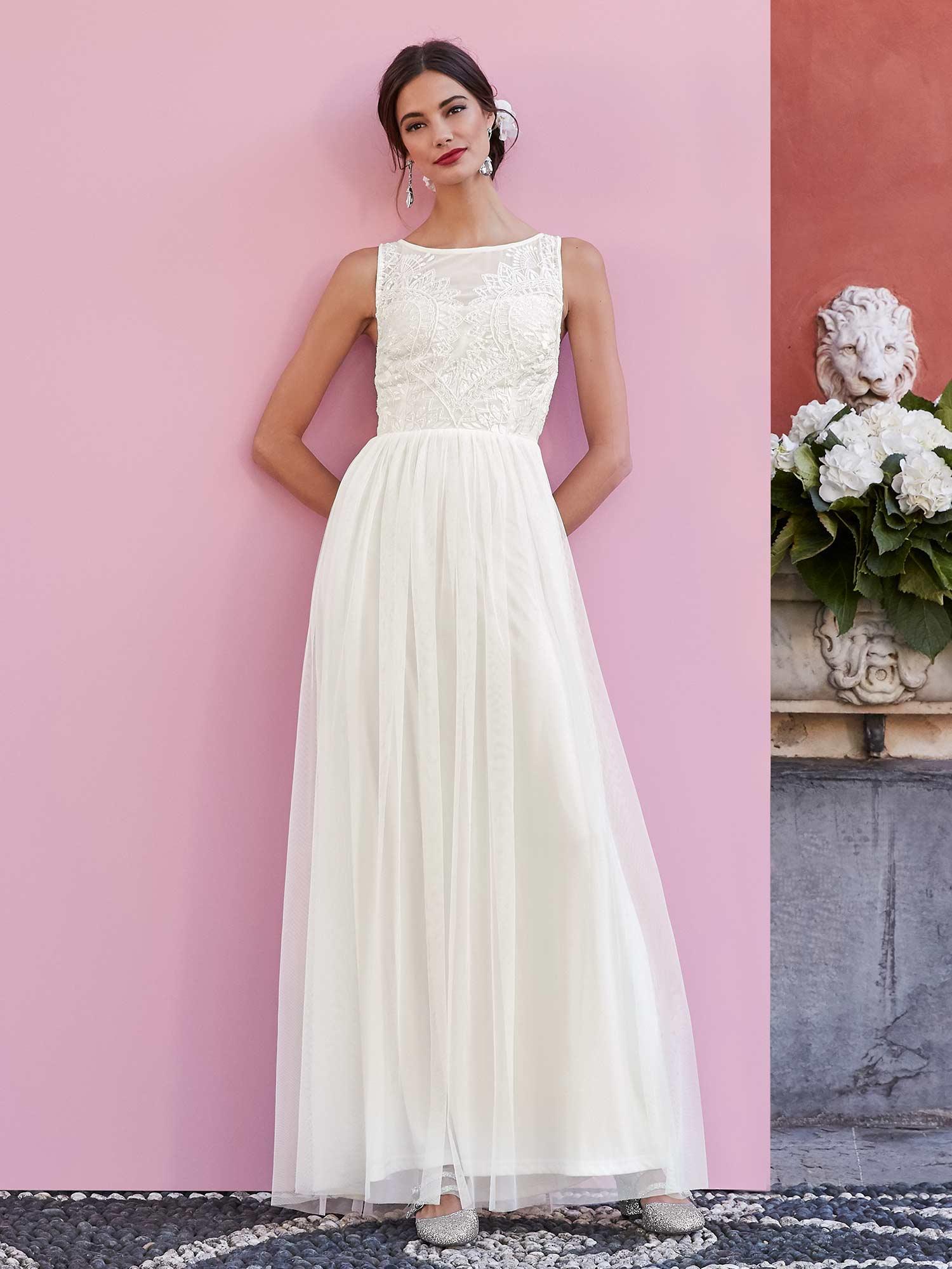 Ja, wir wollen! Kleider für die Braut und die Gäste.  Styles